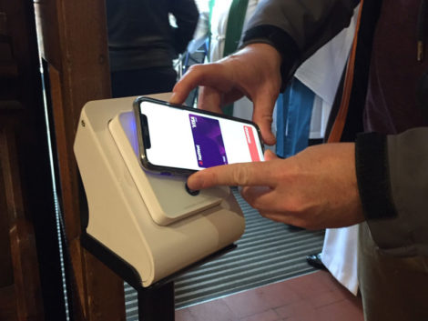 contactless payment phone